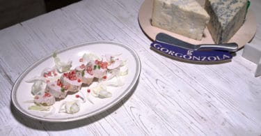 Arrotolato di pollo con Gorgonzola piccante e melograno